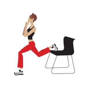 2- Ayaktayken bacağınızın tekini bir sandalyeye şekildeki gibi dayayın. Bütün vücudunuzu öne doğru esnetebildiğiniz kadar esnetin. Sonra yeniden başlangıca dönün. Egzersizi her iki bacağınız için 30 kez tekrarlamaya çalışın.